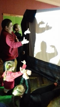 Amazing shadow theater!